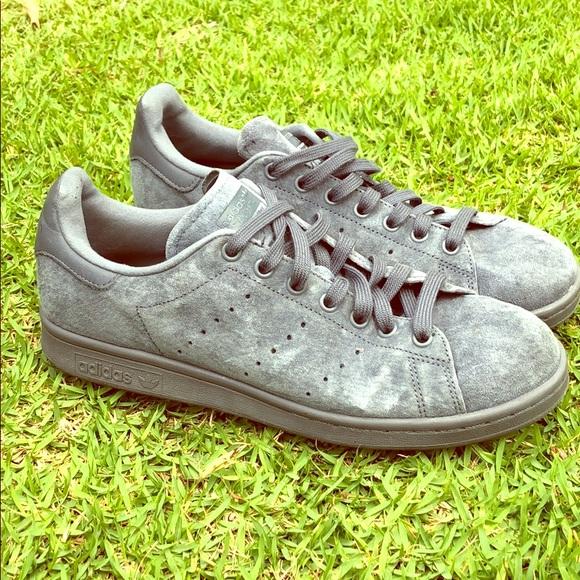 official photos 047c2 3b601 Adidas Men's Stan Smith 'Onix Grey' suede